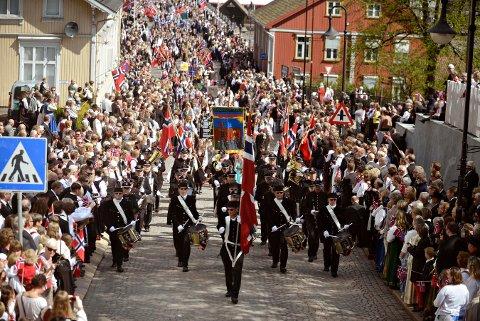 JUBILANT: Kongsberg Byorkester er 100 år i år. En helt ny marsj står på programmet i den anledning.