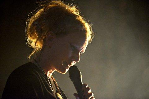 ÅPNINGSKONSERT: Susanna Wallumrød fra Kongsberg er med på konserten i musikkteatret kl. 17.00.