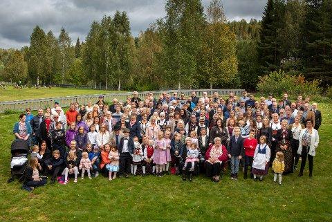 SLEKTSTREFF: 180 etterkommere samlet seg på Solvoll.