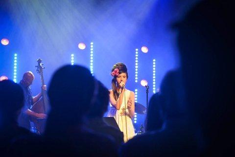 FÅR HEIS: Angelina Jordan er en av mange artister som har opptrådt  i Kongsberg musikkteater. I løpet av året blir det installert personheis for artistene.