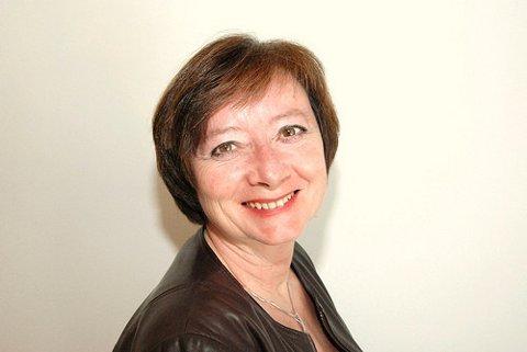 KREVER SVAR: Lise Christoffersen (Ap) vil ha svar om industripiloten i Kongsberg.