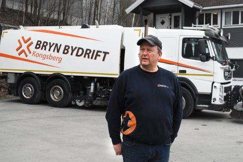 VEKST: R Andersen Transport AS er en av godstransport-firmaene som har hatt størst vekst i 2020. Bildet er tatt i forbindelse med at daglig leder, Roger Andersen, kjøpte Bryn Bydrift AS i 2020.