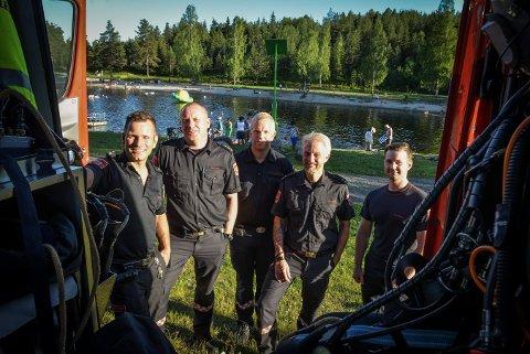 VED SAGGRENDADAMMEN: Fra venstre: Bjørn Tore Kløvstad, Jonas Brandt, Magnus Jensen, Jan Ole Myhra og Deivy Kazokas.