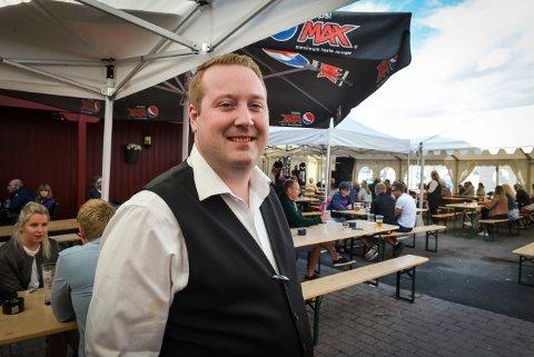 BAKGÅRDSFEST: Pubeier Henrik Fundingsland er klar for flere bakgårdskonserter i august.