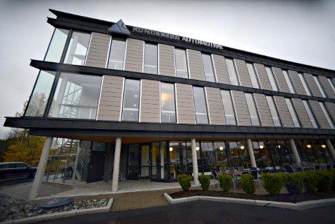 KA: Kongsberg Automotive ble grunnlagt i Kongsberg, og har fortsatt kontorer her. Men ikke hovedkontoret.