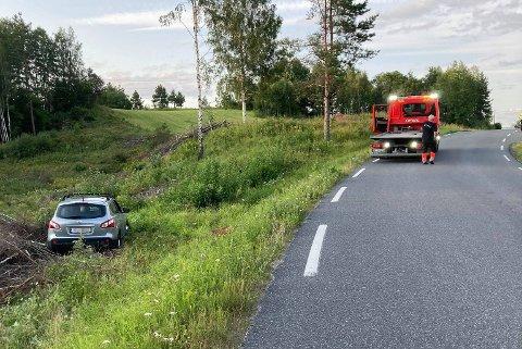 USKADET: Verken bil eller fører ble skadet i utforkjøringen.