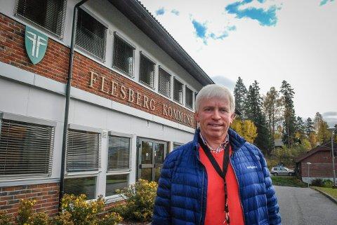 HAR KONTROLL: Flesberg-ordfører Oddvar Garaas ber om at kommunens 16- og 17-åringer booker time til vaksinering.