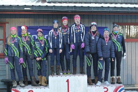PÅ TOPPEN AV PALLEN: Hannecke Røtter, Linnea Winsvold og Emma Aasen Strømsnes ble kretsmestre.