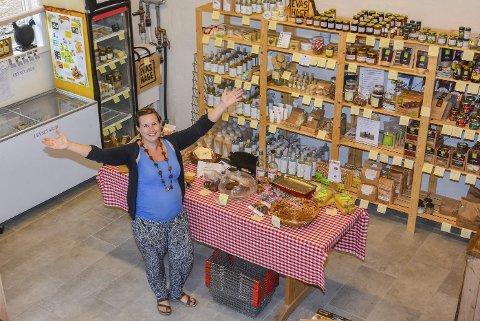 Evas HageGod plass: Cathrine synes det er fantastisk med all plassen i butikken, og sier kundene også setter pris på dette.