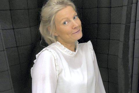 Blir lørdagsunderholdning: Hilde Sanne, til daglig lærer på Høvik skole, er deltaker i sesongpremieren av «Alle mot 1» på NRK1. Foto: Privat