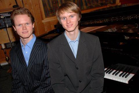 VAKRE TONER: Sondre og Håvard Ringsevjen skal spille på samme flygel samtidig under Ord og Toner i Frogner kirke 31. mars.