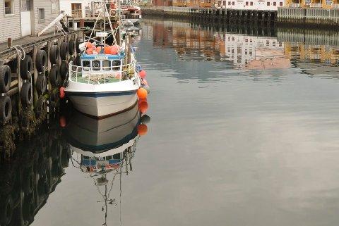 Kabelvåg havn ei stille stund, men nå skal havna og bebyggelsen rundt sikres mot uværet.