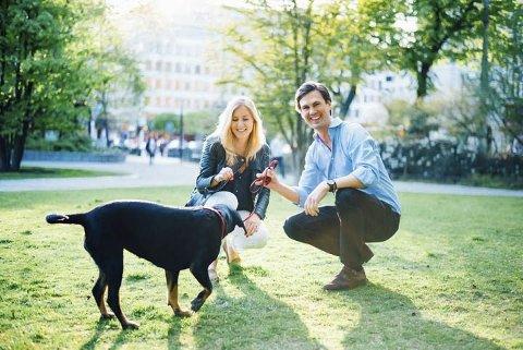 Formålet med en hundepark er at både tobeinte og firbeinte skal kunne møtes og ha det hyggelig.