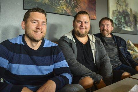 Handelsforeningen i Vestvågøy: Benjamin Einarsen (f.v.), Geir Kristian Johansen og Tom René Reppe sitter i styret til Vestvågøy handelsforum, som arrangerer Høstvekka.