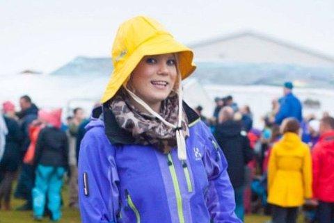 Anne-Grethe Annsdatter Haug (35) fra Stormyra i Lofoten elsker kultur og festivaler. Bildet er tatt på Trænafestivalen.