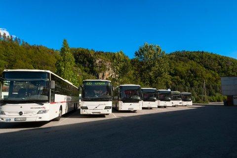 AKT: Agder Kollektivtrafikk endrer reisereglene sine fra mandag.