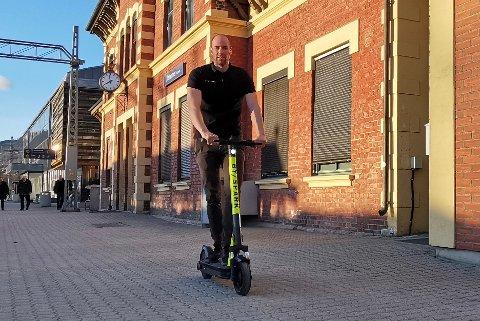– Vi håper at lillehamringene vil sette pris på å få elsparkesykler i byen, sier daglig leder i Byspark, Tom Jarle Melby