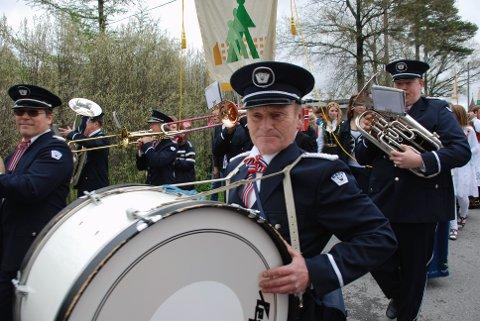 SPILLER PÅ MARKEDSDAGEN: Råde Musikkorps, her fra 17. mai for noen år siden.