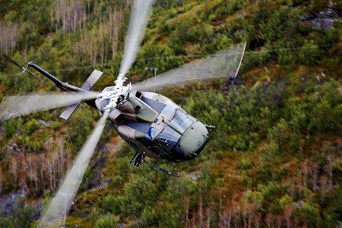 I LUFTA: Et Bell 412-helikopter fra 339 skvadronen på oppdrag.. Foto: Forsvaret