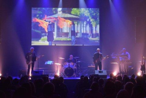 HELAFTEN: Rockebandet Høytrykk spilte lørdag kveld en konsert i to akter på Verket Scene.