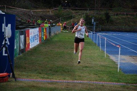 Maria løp søndag inn til medalje nummer 22 i friidrettssammenheng med sølv i terrengløp-NM. Nå skal hun begynne å plukke medaljer i maratonsammenheng.