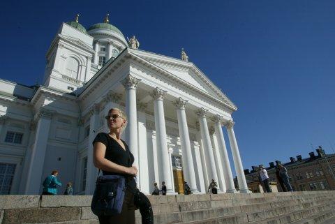 ANBEFALER TRIKK:  Helsinki har en trikkerute som tar deg forbi mange kjente attraksjoner  blant annet domkirken på Senatstorget, sier reiselivsblogger Ann-Mari Gregersen. Foto: AlltidReiseklar.no