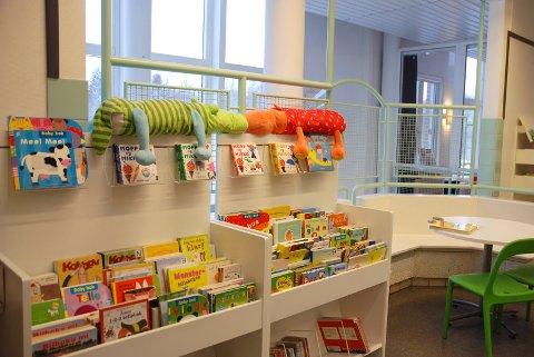 HOLMLIA BIBLIOTEK: Her er det språkkafé hver onsdag. Foto: Trine Dahl-Johansen