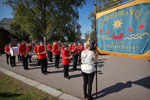 ÅPNET DAGEN: Nordstrand Janitsjar marsjerte fra Sæter til Nordstrand skole. Foto: Lukasz Bielawski