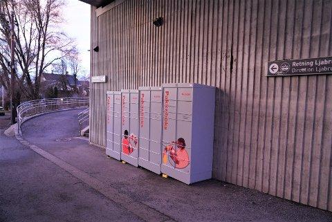 BORTE: Disse pakkeboksene på Sæter er nå borte, men det finnes fortsatt mange igjen i bydelen.