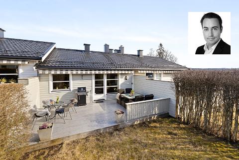 Christian Stenerud i Privatmegleren Panorama har solgt to boliger over prisantydning så langt denne uken, blant annet dette rekkehuset i Frøydis vei på Karlsrud. Det gikk 200.000 kroner over takst etter en budrunde.