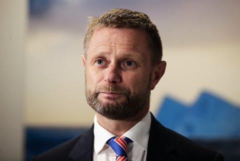 BEKYMRET: Helseminister Bent Høie under onsdagens pressekonferanse om koronasituasjonen.