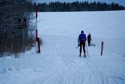 UT PÅ TUR: Nå kan du endelig gå på ski rett fra parkeringen på Grønmo.