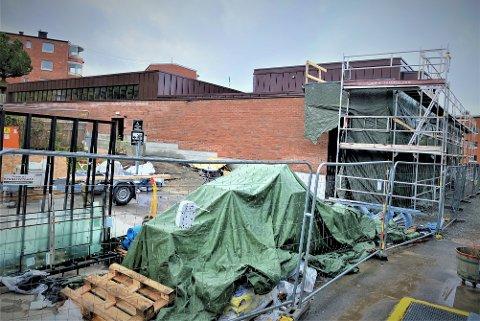 I sommer håpet man at Bøler bad kunne åpne i november, nå blir det trolig ikke før ved årsskiftet.