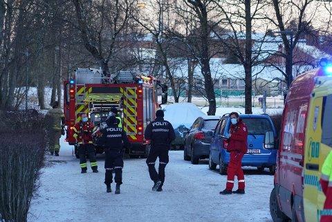Oslo brann- og redningsetat på plass i Lambertseterveien onsdag ettermiddag.