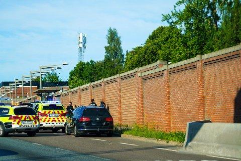 Her har politiet fått kontroll på sjåføren som ble utagerende da han ble stoppet på E6 ved Manglerud t-banestasjon.