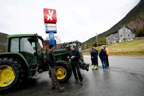 Erlend Dokken og Pål Uldalen (fremst i bildet) er to av dem som skulle kjøre i kortesjen til Otta.