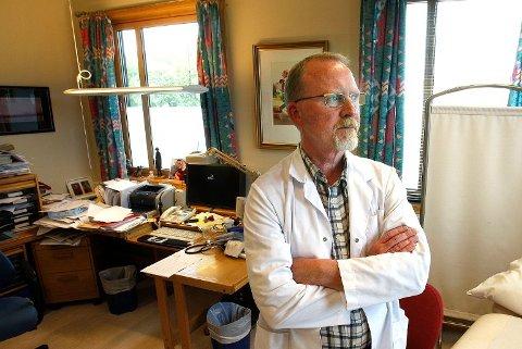 Fylkeslege i Nordland, Jan-Petter Lea avgjorde at saken om den kvinnelige legen skulle sendes videre til Statens helsetilsyn.  (Foto: Tom Melby)
