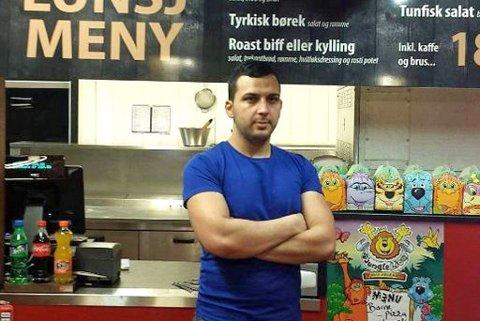 UTFORDRENDE: Driften ble for utfordrende og til slutt meldte selskapet oppbud. Her er eier og daglig leder Ramadan Reshad Myumyun da restauranten åpnet i 2016.  Arkivfoto: Magnus Aamo Holte