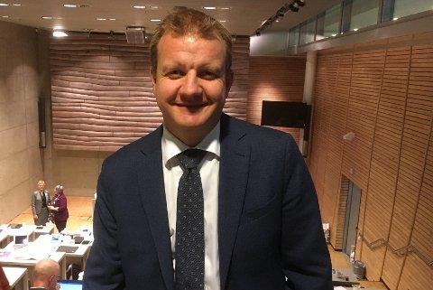 FINALE: Øyvind Hilmarsen takker for seg i kommunestyret.