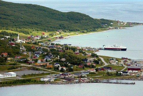 Regnskapet til Karlsøy kommune viser at det er gjort utbetalinger til firmaet Anleggsbygg AS i fem av de ti anskaffelsene som er undersøkt. Utbetalingen er tilsammen på flere millioner kroner.