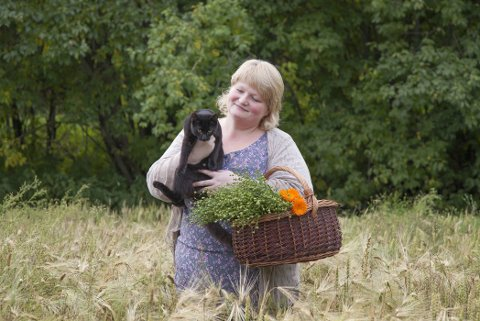 ÅPNER BUTIKK: Sissel Berge skal selge ultralokal mat og drive kafe fra gården i Selbu.