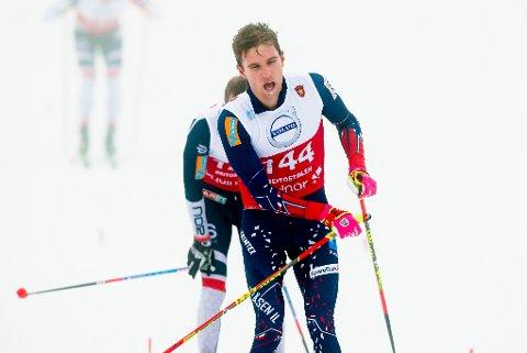 Didrik Tønseth i mål etter herrenes 15 km klassisk individuell start på Beitostølen fredag, under åpningen av langrennssesongen 2018/19.