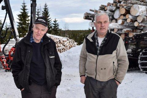 SOLGTE FIRMAET: Arve (77) og Olav (69) Hagenborg solgte seg ut av familieselskapet til fordel for neste generasjon. Slik havnet de på inntektstoppen i Nordre land.