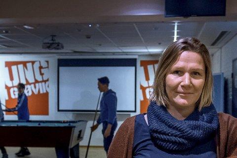 UNGDOMSMILJØ: Randi Hermanrud mener de voksne må følge med på hva ungdommen gjør. (Arkivbilde)