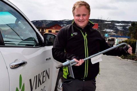 FOLK I ARBEID: På en uke har Knut Erik Knutsen Brager hos Viken Skog gått fra 1 til 30 søkere til 50 sesongjobber.
