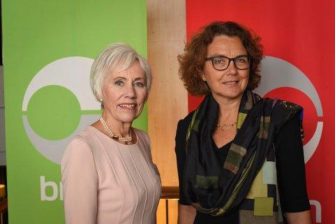 50 ÅR: Inger Johanne Sæterbø Håland var en av 375 jubilanter som ble hederet av konsernsjef Tone Wile. Kolbotnkvinnen har jobbet i Posten Norge i 50 år.