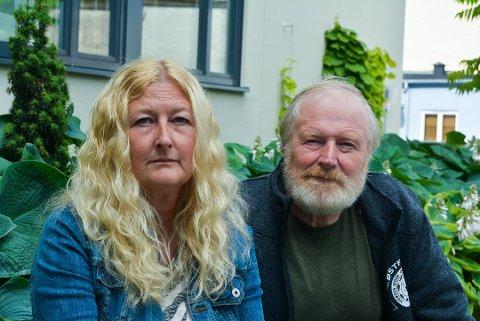 FORTVILET: Monica Torp Borg og Steinar Torp står i en vanskelig situasjon som mamma og morfar til en rusmisbruker. De risikerer å sitte igjen med en regning på 540.000 kroner for behandlingen av datteren og barnebarnet. Foto: Trine Bakke Eidissen