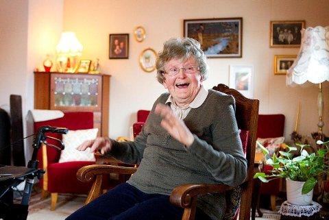 100 ÅR: Da Ragnhild Dorthea Fladberg kom til verden 3. april 1920, passet alle godt på at ikke moren, Karen Huseby, ble smittet av spanskesyken mens hun gikk gravid. Nå, 100 år senere, er det smittevern mot korona som setter stopper for bursdagsfesten..