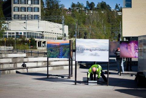 Utstilling på Jan Baalsruds plass.