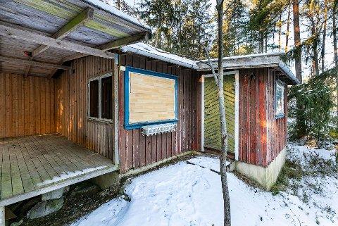 KOSTBAR: I dag ser ikke denne hytta ut til å være verdt et par millioner, men det er den, ifølge megleren.